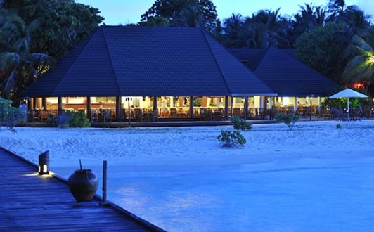 holiday-island-resort